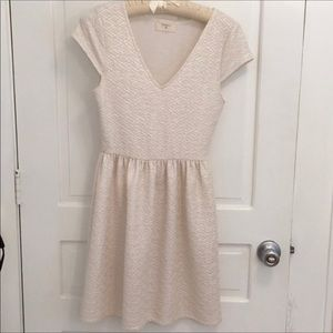 Everly Boutique White Gold Short Sleeve Dress